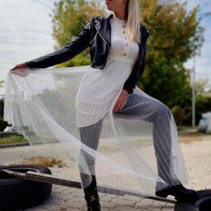 Extravagáns kötött ruha